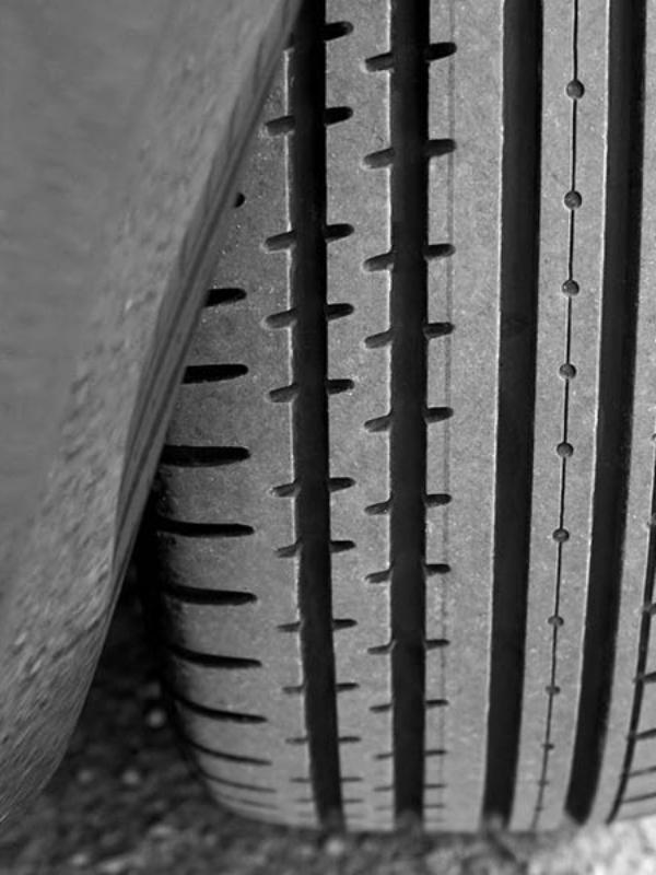 Sådan vælger du de bedste dæk og fælge til din bil