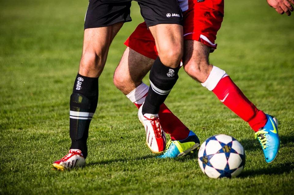 Fodboldaften med vennerne - landsholdstrøje og ansigtsmaling