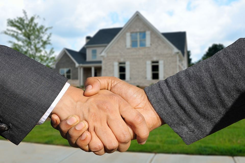 Selvsalg - 4 tips til hvordan du sælger boligen på egen hånd